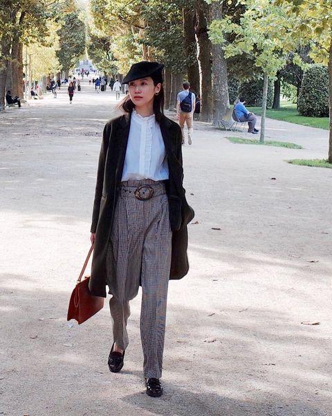 Clothing, Street fashion, Fashion, Jeans, Denim, Snapshot, Brown, Outerwear, Footwear, Blazer,