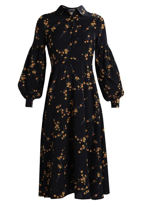 Clothing, Dress, Sleeve, Day dress, Robe, Outerwear, Trench coat, Coat, Collar, Nightwear,