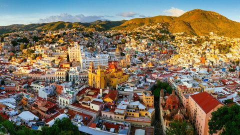 City, Town, Urban area, Cityscape, Human settlement, Metropolitan area, Neighbourhood, Panorama, Sky, Photography,