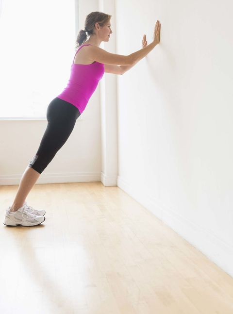 Shoulder, Leg, Arm, Human leg, Joint, Thigh, Standing, Physical fitness, Pink, Knee,