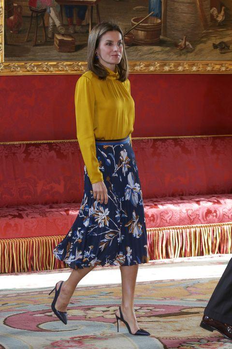 06acc004d68 Letizia encuentra la falda floral perfecta
