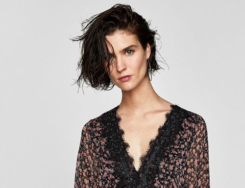 Hair, Fashion model, Face, Hairstyle, Shoulder, Lip, Beauty, Neck, Fashion, Brown hair,