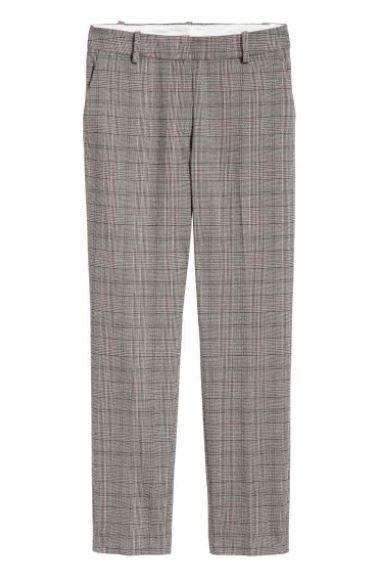 Clothing, Plaid, Pattern, Trousers, Suit trousers, Design, Pocket, Jeans, Bermuda shorts, Shorts,