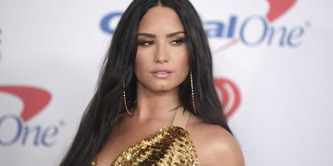 Hair, Hairstyle, Long hair, Eyebrow, Lip, Beauty, Black hair, Shoulder, Brown hair, Fashion model,