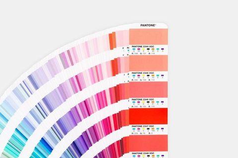 c83a2fbb53 pantone proclama el ultra violet como su color del año para el 2018.