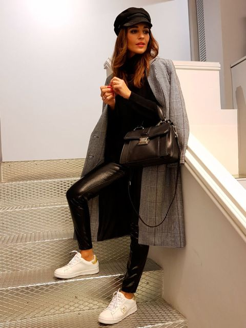 Clothing, Footwear, Leg, Brown, Shoe, Textile, Human leg, Joint, Outerwear, White,
