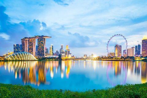 Metropolitan area, Reflection, Cityscape, City, Nature, Sky, Skyline, Daytime, Landmark, Urban area,