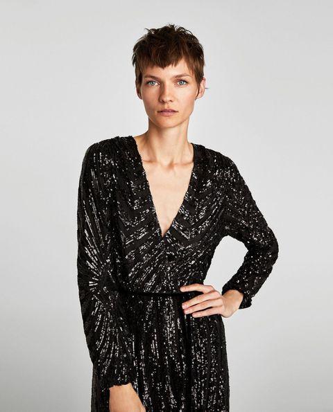 1642c9ed73 Zara tiene el vestido de invitada de boda de invierno perfecto