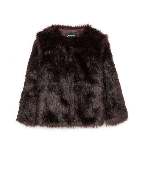 Dónde conseguir el abrigo de peluche que tu invierno necesita