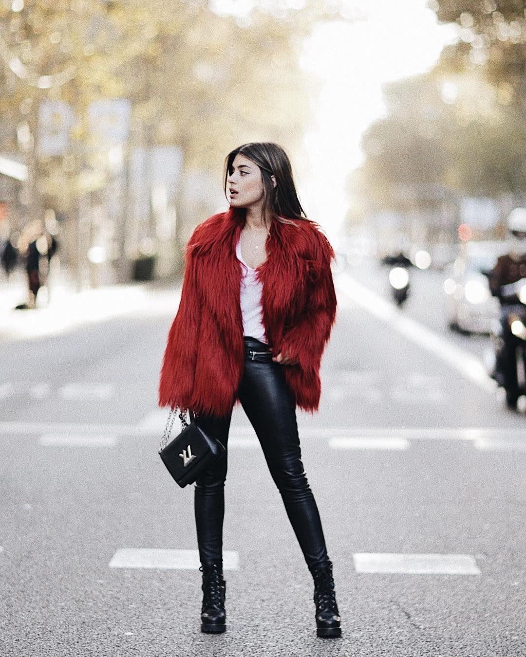 Abrigo corto rojo zara