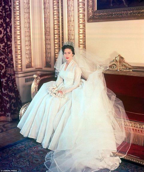 Τα πιο διάσημα νυφικά στην ιστορία Πριγκίπισσα Μαργαρίτα της Αγγλίας