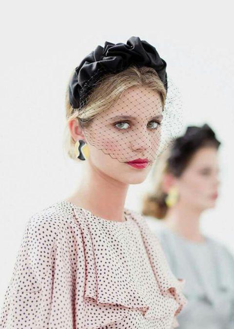 Hair, Headpiece, Hair accessory, Hairstyle, Bridal accessory, Head, Forehead, Fashion accessory, Chignon, Headgear,
