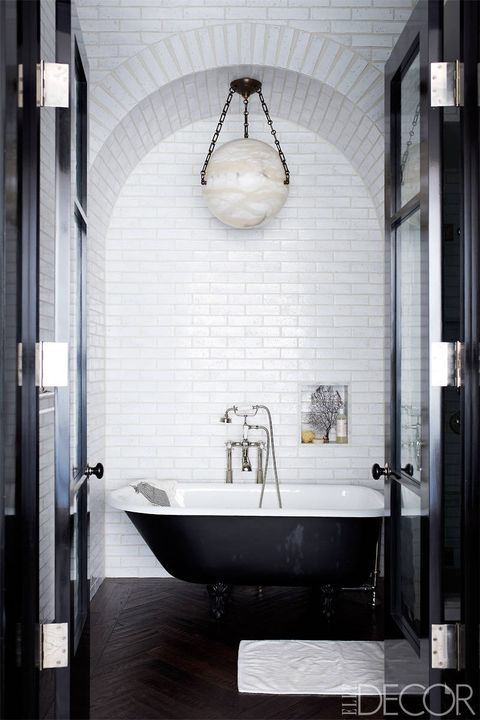Bathroom, Tile, Black, Room, Interior design, Property, Plumbing fixture, Floor, Wall, Architecture,