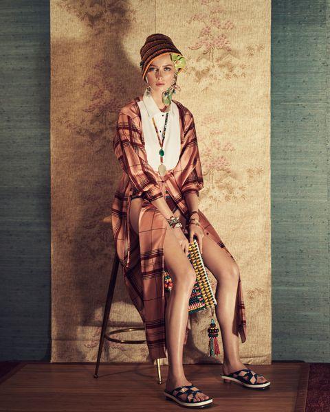 Fashion, Sitting, Retro style, Vintage clothing, Photography, Fashion design, Art, Shoe, Style, Fedora,