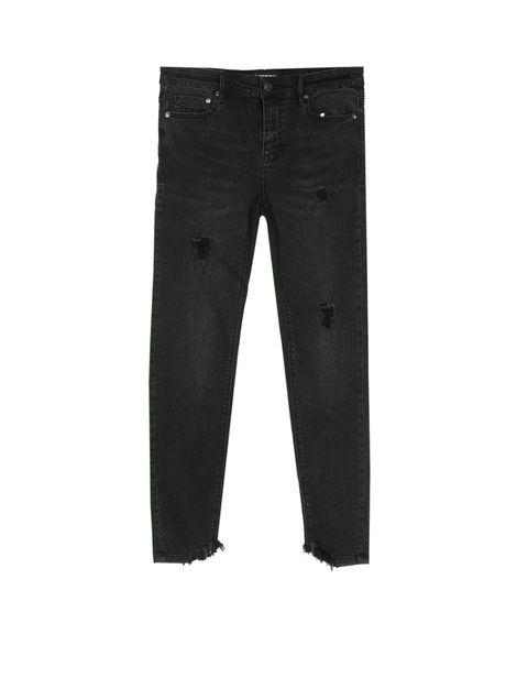 Pantalones vaqueros con pedrería, bordados, mom jeans, campana, flare de Zara, Mango, Bershka, Stradivarius, & Other Stories y Topshop.