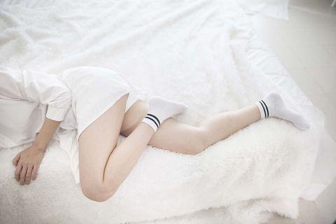 White, Leg, Skin, Human leg, Beauty, Arm, Footwear, Thigh, Hand, Joint,