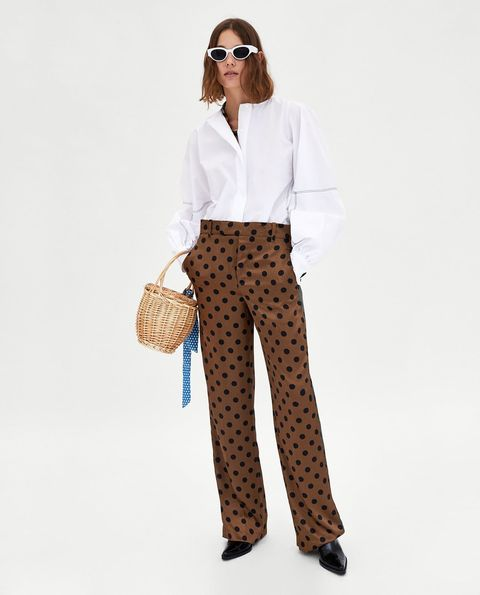Clothing, White, Waist, Trousers, Pattern, Suit, Fashion, Design, Formal wear, Leg,