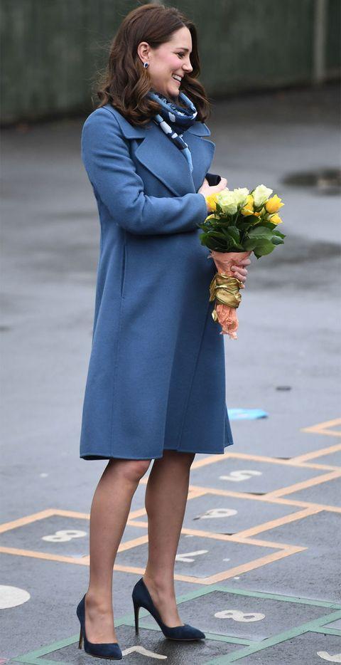 kate-middleton-estilo-azul-abrigo