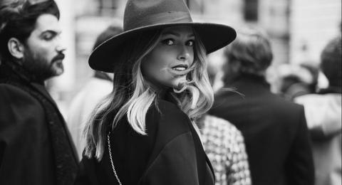 Black, Photograph, White, People, Black-and-white, Monochrome, Monochrome photography, Hat, Beauty, Street fashion,