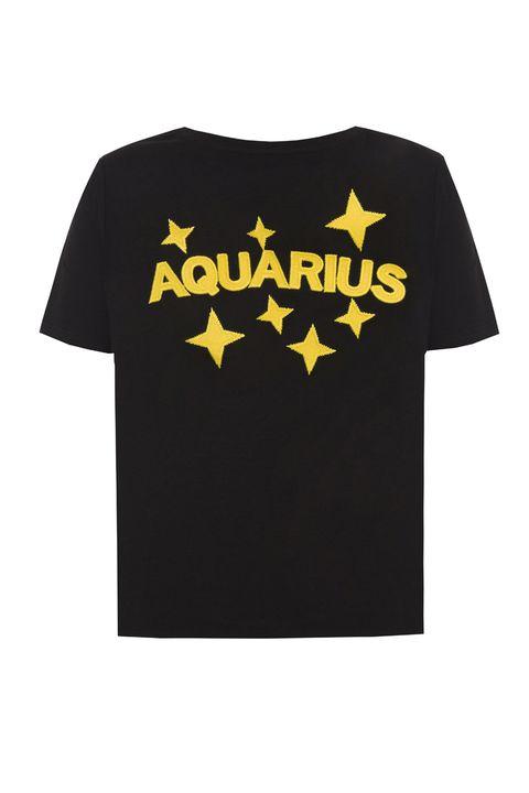 T-shirt, Clothing, Batman, Active shirt, Black, Sleeve, Yellow, Product, Top, Text,