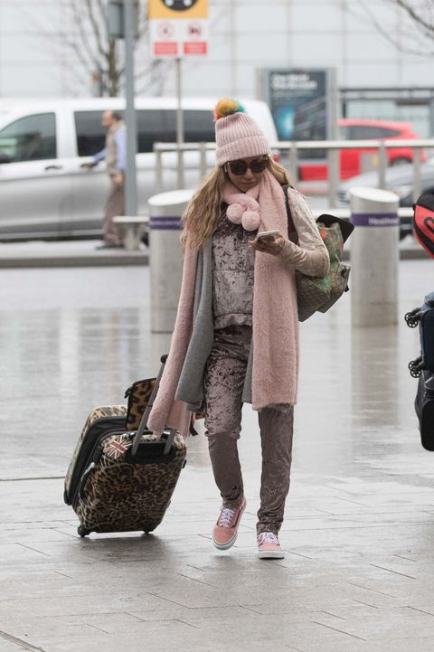 Photograph, Clothing, Street fashion, Shoulder, Fashion, Brown, Snapshot, Beanie, Pink, Footwear,