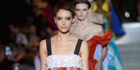 Fashion model, Dress, Fashion, Gown, Clothing, Haute couture, Fashion show, Shoulder, Formal wear, Beauty,