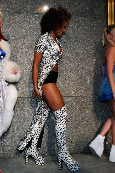 Clothing, Leg, Thigh, Human leg, Fashion, Footwear, Tights, Joint, Stocking, High heels,