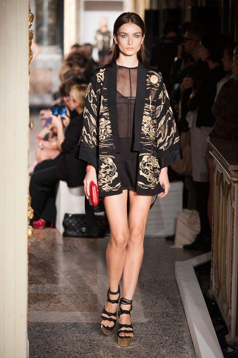 Clothing, Shoulder, Fashion show, Human leg, Joint, Outerwear, Style, Street fashion, Fashion model, Runway,