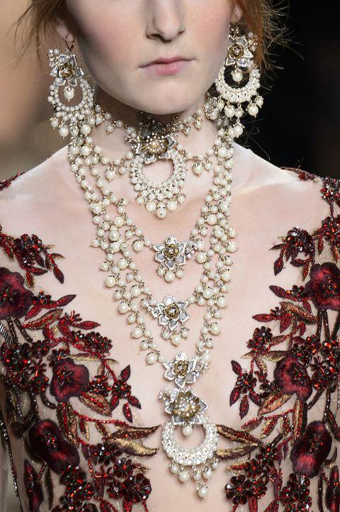 Fashion accessory, Jewellery, Style, Natural material, Body jewelry, Beauty, Fashion, Earrings, Eyelash, Fashion design,