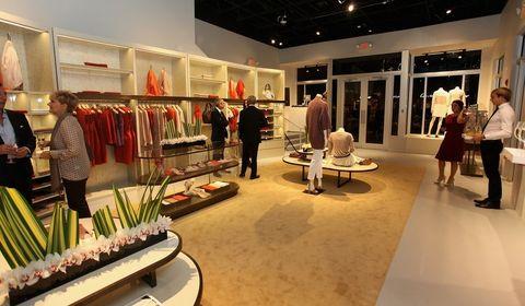 Interior design, Retail, Fashion, Clothes hanger, Boutique, Outlet store, Interior design, Customer, Exhibition, Hall,