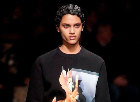 Human, Sleeve, Cool, Black hair, Street fashion, Flash photography, Long-sleeved t-shirt, Thumb, Active shirt, Gesture,