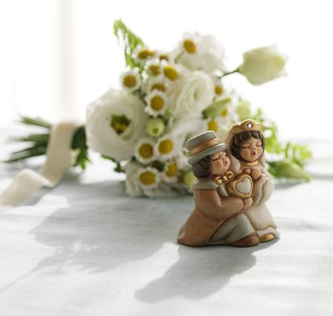 Petal, Toy, Cut flowers, Flowering plant, Bouquet, Artificial flower, Love, Wedding ceremony supply, Holiday, Floral design,