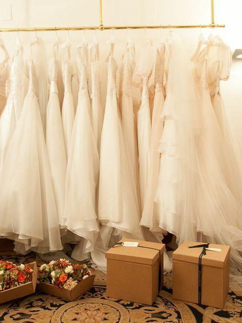 Room, Interior design, Textile, Interior design, Linens, Floor, Wall, Flooring, Home accessories, Beige,