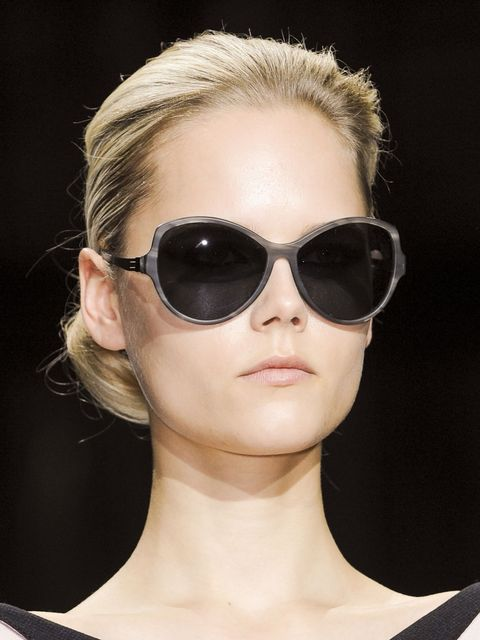Eyewear, Glasses, Ear, Vision care, Lip, Goggles, Sunglasses, Hairstyle, Chin, Shoulder,