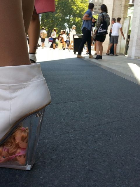 Human, Leg, Human leg, Joint, Fashion, Street fashion, Foot, Knee, Sandal, High heels,