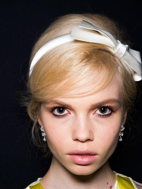 Lip, Hairstyle, Eye, Eyebrow, Eyelash, Style, Hair accessory, Iris, Beauty, Headpiece,