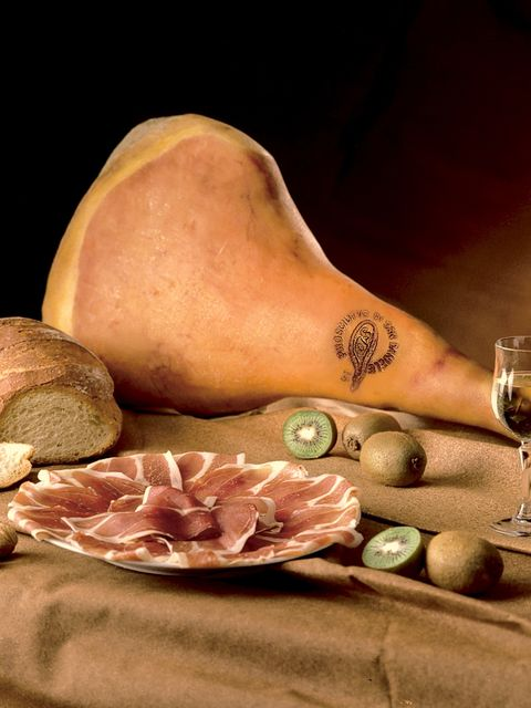 Stemware, Drinkware, Wine glass, Drink, Glass, Tableware, Barware, Champagne stemware, White wine, Peach,