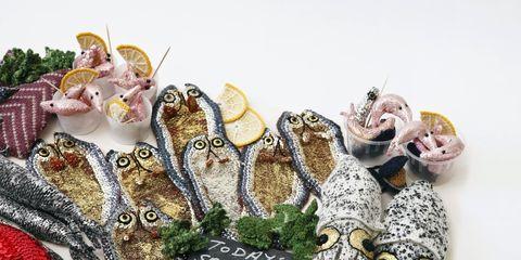 Cibo all'uncinetto, le opere d'arte tricot di Kate Jenkins