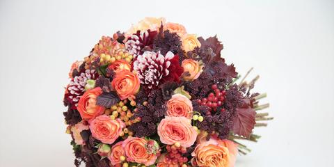 dc9358f080b5 50 bouquet scelti da Elle Spose. Rigorosamente da lanciare  non è elegante  consegnarlo alla migliore amica il giorno del vostro matrimonio  ...