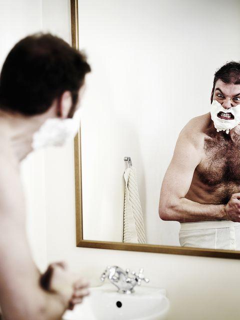 Crisi del maschio: si estingue il macho e si evolve il pappamolle