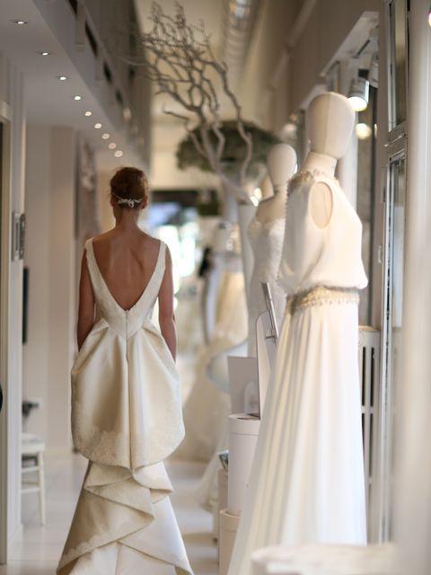 0f576c62b0 Mercoledì 18 marzo dalle 17 alle 21 la stilista Sabine Valente presenterà a  Milano la capsule collection sposa realizzata in esclusiva per Le Spose di  ...