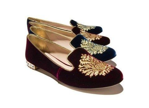 Brown, Shoe, Fashion, Natural material, Tan, Maroon, Beige, Ballet flat, Dress shoe, Glitter,