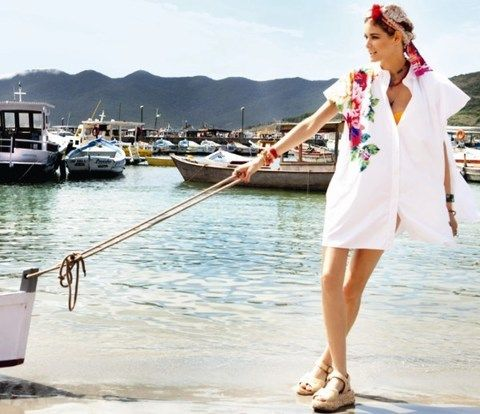 Watercraft, Dress, Summer, Vacation, Travel, Beauty, Boat, Street fashion, Lake, Boats and boating--Equipment and supplies,