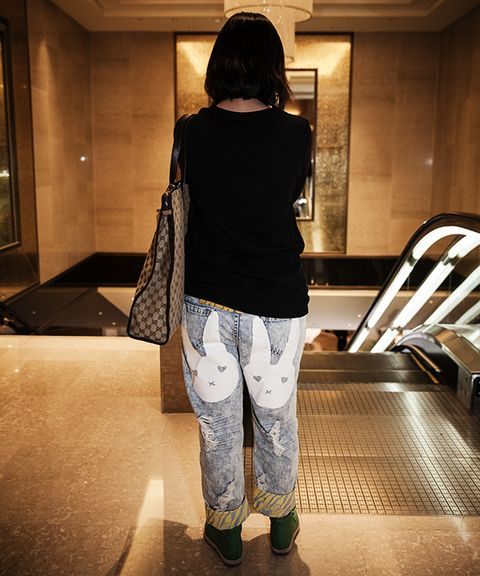 Brown, Outerwear, Style, Floor, Light, Back, Street fashion, Bag, Denim, Snapshot,