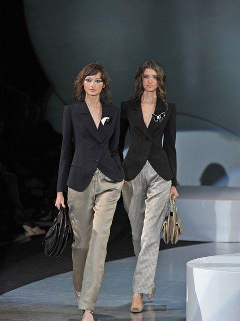 Trousers, Shoulder, Outerwear, Coat, Style, Bag, Blazer, Fashion model, Fashion, Fashion show,