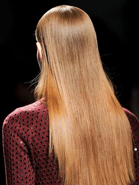 Hairstyle, Red, Style, Long hair, Beauty, Blond, Brown hair, Step cutting, Hair coloring, Street fashion,