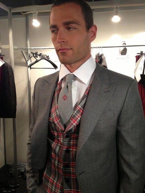 Dress shirt, Collar, Sleeve, Coat, Plaid, Textile, Shirt, Standing, Outerwear, Tartan,