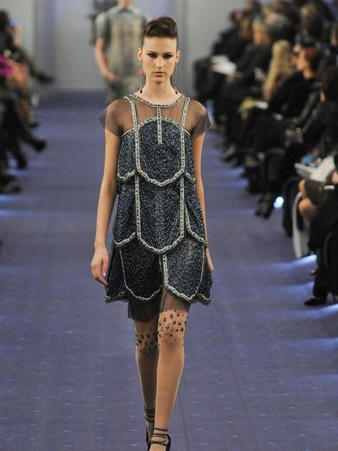 Fashion show, Shoulder, Runway, Joint, Dress, Fashion model, Style, Waist, One-piece garment, Fashion,