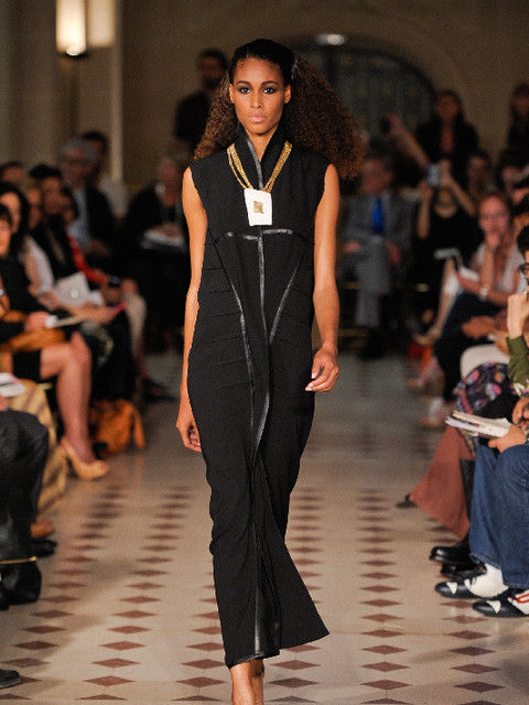 Footwear, Fashion show, Hairstyle, Event, Shoulder, Runway, Joint, Outerwear, Fashion model, Style,
