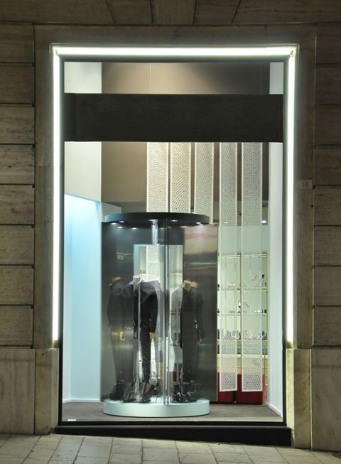 Glass, Floor, Transparent material, Fixture, Rectangle, Aluminium, Transparency, Building material,